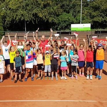 Besuch der Grundschule aus Hüthum beim TC RW Emmerich!